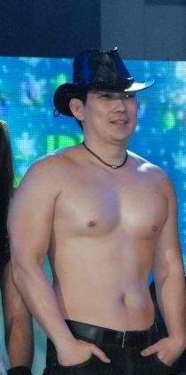 PHOTO  Richard Yap    Papa Chen    shirtless     new Kapamilya    Chen Shirtless